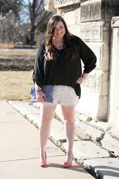 Adorable crochet shorts! Featured on Styled Muse.