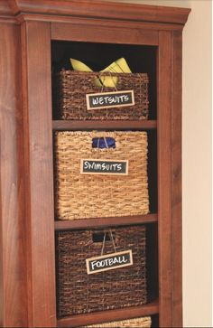 I <3 Labeled baskets.