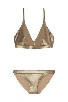 f5393eb7e Bikinis y bañadores de Oysho  estos son los 20 nuevos diseños que vas a querer  llevar - Dorado