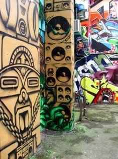 Özenle Seçilmiş En Güzel 100 Graffiti Graffiti, Street Art, Texture, Wood, Crafts, Graphite, Manualidades, Woodwind Instrument, Timber Wood