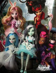 monster high - How cute is this? Two of my favorite things Monster High and Alice in Wonderland - Love It! Monster High Repaint, Custom Monster High Dolls, Monster Dolls, Custom Dolls, Custom Barbie, Ooak Dolls, Art Dolls, Skelita Calavera, Personajes Monster High