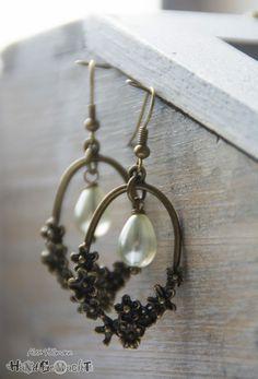 "Ohrringe antik bronze ""Blumenrahmen mit Tropfenperle"""