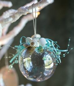 Ocean Beach Ball Shell Ornament - all natural shells with aqua highlights Coastal Christmas Decor, Nautical Christmas, Tropical Christmas, Holiday Decorating, Seashell Ornaments, Xmas Ornaments, Seashell Art, Seashell Crafts, Christmas Balls