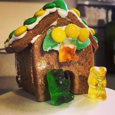 You know you're #BaylorProud when even your gingerbread house is green and gold!