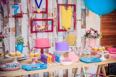 Festa Ginastas | Macetes de Mãe Birthday Cake, Table Decorations, Up, Charlotte, Home Decor, Ideas, Gymnastics Party, Candy Table, Decorative Objects