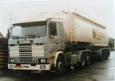 Scania R 142 M 6x2 met bulktankoplegger van Moorlach Meelfabriek te Uithuizermeeden
