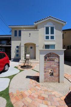 門柱とアプローチ、両方に使ったレンガがアクセント 阜市で三井ホームの新築外構|愛知県|外構・エクステリア|ディーズガーデン