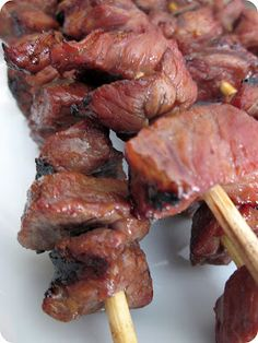 Grilled Korean BBQ Beef Recipe from SixSistersStuff .mmmm had Korean BBQ in Germany 3 yrs ago, and have dreamed of it ever since! Grilling Recipes, Beef Recipes, Cooking Recipes, Cooking Tips, Recipies, Grilling Tips, Budget Recipes, Copycat Recipes, Yummy Recipes