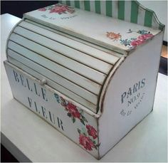 Panera Decoupage, Wood Crafts, Paper Crafts, Diy Crafts, Chabby Chic, Bread Boxes, Vintage Pictures, Toy Chest, Stencils