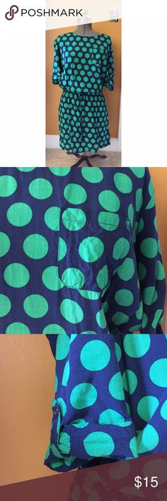 Banana Republic Polka Dot Shirt Dress Sz S Excellent used condition. Navy blue and green polka dot shirt dress with adjustable waist, chest pocket detail and adjustable roll up sleeves. Sz S Banana Republic Dresses