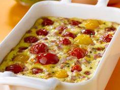 moutarde, maïs, arôme, tomate cerise, dés de jambon, emmental, crème liquide, oeuf, lait, huile d'olive, thym, sel, poivre