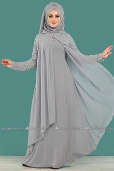moda selvim Broşlu Şifon Tesettür Abiye ALM3012 Gri Hijab Style Dress, Modest Fashion Hijab, Abaya Fashion, Vestido Batik, Abaya Designs Dubai, Dress Batik Kombinasi, Kebaya Modern Dress, Estilo Abaya, Moslem Fashion
