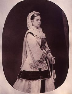 B/W photo of Queen Olga. Greek Traditional Dress, Greek Royalty, Court Dresses, Pli, Hair Designs, Fashion History, Folk Art, Greece, Victorian