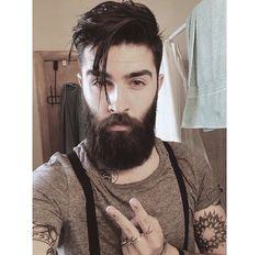 Mens Hairstyles Fade, Top Hairstyles, Haircuts For Men, Beard Styles For Men, Hair And Beard Styles, Chris Millington, Barba Sexy, New Beard Style, Medium Hair Styles