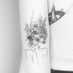 Cute Tiny Tattoos, Weird Tattoos, Small Girl Tattoos, New Tattoos, Rib Tattoos For Women, Unique Tattoos For Women, Unique Small Tattoo, Feminine Arm Tattoos, Feminine Tattoo Sleeves