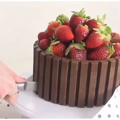 Torta Candy, Candy Cakes, Brownie Recipes, Cake Recipes, Dessert Recipes, Fondant Cakes, Cupcake Cakes, Bolos Naked Cake, Pastry Design