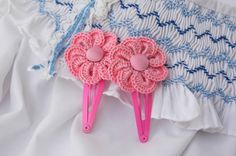 Crochet hair clips  Set of two  Pink crochet by MyLittlePaula, €10.00