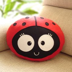 ♥ The cute and lovely Wemba the ladybug comes in her most cuddly and tender version! Here is the Wemba the Ladybug cushion! A cute decorative pillow that you can not stop hugging! ♥ Wemba the ladybug plus is made from soft polar fleece and high quality wool felt . She is stuffed with