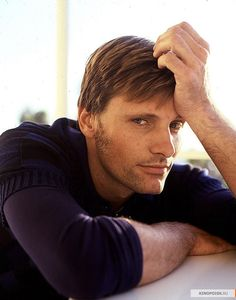 viggo mortensen - it's okay, Viggo--you can use my trig calculator!