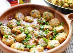 Als je op zoek bent naar een heerlijke bijgerecht van kip, werp je blik dan op dit recept en wellicht zal het zijn weg vinden naar de eettafel. Serveer deze malse kipballetjes voor bij een warme…