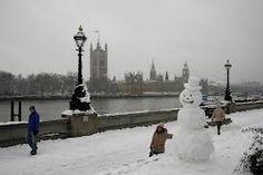 It's snowing in London
