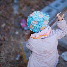 #kevätpipo #pipo #tuubihuivi #lapsille #tulossa #verkkokauppaan #tytöt #prinsessa #sininen #söpö #printti #kotimainen #beanie #infinityscarf #kotimaisetkankaat #ulkona #kevät #pouta #poutapukimo