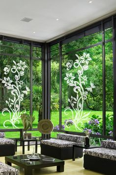 Upward Flower Right Glass Wall Decal by WALLTAT.com