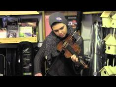 Jayne Pomplas (fiddle) from central NY state plays some tunes at Custy's!! YouTube video