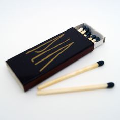 "Cajas de Cerillas modelo ""Hotel"" para el restaurante PLA de Barcelona. Zippo Lighter, Barcelona, Convenience Store, Templates, Match Boxes, Bottles, Advertising, Restaurants, Convinience Store"