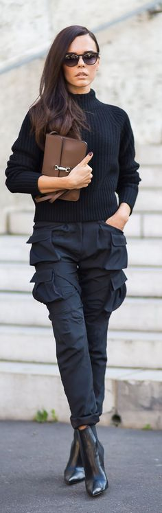 Navy Skinny Cargo Pants by Styleheroine