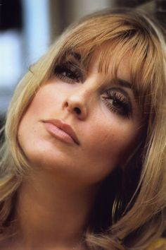 Sharon Tate (60s makeup, beautiful skin, hairstyle, blonde, HQ, color, pretty, big earrings, eyeliner, lashes)