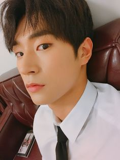크나큰 (KNK) @KNKOfficialYNB | Seungjun Knk Kpop, Knk Seungjun, Bigbang Yg, Sun Moon Stars, Sistar, Bts And Exo, Stone Heart, Ioi, Mamamoo