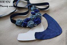 Scarf Jewelry, Fabric Jewelry, Jewellery, Fabric Flower Necklace, Homemade Necklaces, Denim Flowers, Diy Jewelry Projects, Denim Ideas, Diy Jewelry Inspiration