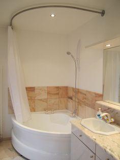 Les 25 meilleures id es de la cat gorie rideaux d 39 angle sur pinterest tringle rideau d 39 angle - Rideau baignoire d angle ...