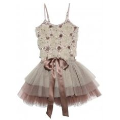 now that Stella is in dance, I am obsessed with tutus- picked up fabric to make one similar to this :)