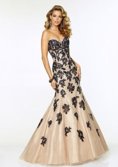 Shop for long prom dresses and long formal dresses at PromGirl. Long party dresses, floor-length prom dresses, long formal party dresses, and long evening gowns for special occasions. Mori Lee Prom Dresses, Lace Back Dresses, Prom Dresses 2016, Lace Evening Dresses, Mermaid Prom Dresses, Evening Gowns, Tulle Dress, Women's Dresses, Formal Dresses