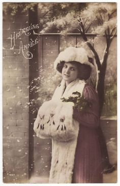 French postcard Young woman in fur van EphemeraUniversalis op Etsy