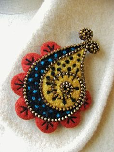 felt pin with zipper