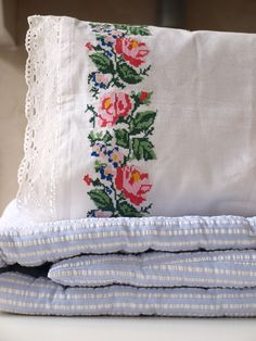 embroidered pillow 55x35 cm - Ottomania
