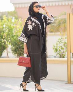 Repost @rosegoldabaya.qatar #subhanabayas #fashionblog #lifestyleblog #beautyblog #dubaiblogger #blogger #fashion #shoot #fashiondesigner #mydubai #dubaifashion #dubaidesigner #dresses #capes #uae #dubai #abudhabi #sharjah #ksa #kuwait #bahrain #oman #instafashion #dxb #abaya #abayas #abayablogger #абая