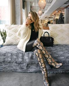 23 Ideas For Fashion Inspo Casual Boots Snake Print Boots, Snake Boots, Nyc Street Style, Coat Outfit, Over The Knee Boot Outfit, Snakeskin Boots, Winter Trends, Autumn Winter Fashion, Steve Madden