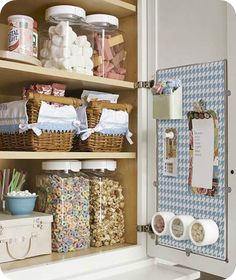 Great organization ideas for the kitchen.  With small kids in mind!