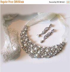 Grace -- Bridal jewelry , Bridal bib necklace, vintage