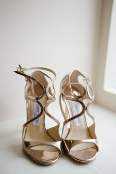 Metallic pumps: http://www.stylemepretty.com/2015/04/02/cotswolds-wedding-at-the-blenheim-palace/ | Photography: Catherine Mead - http://photographybycatherine.co.uk/