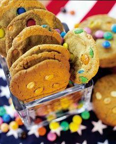 Suklaaraekeksit (M & M Cookies) | Maku M M Cookies, Peanut Butter Cookies, Sweets, Baking, Desserts, Food, Amp, Tailgate Desserts, Deserts