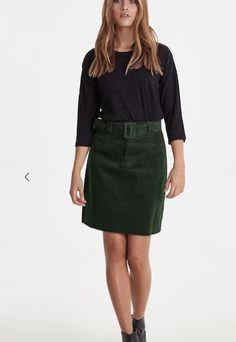 Winter fashion Leather Skirt, Winter Fashion, Stylists, Fall Winter, Mini Skirts, Beautiful, Winter Fashion Looks, Leather Skirts, Mini Skirt
