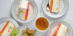 Δροσερό γλυκό ψυγείου με φρούτα και βάση από τσουρέκι -Ανάλαφρη συνταγή για το τραπέζι της Ανάστασης   GASTRONOMIE   iefimerida.gr Eggs, Breakfast, Desserts, Puddings, Food, Cakes, Morning Coffee, Tailgate Desserts, Deserts