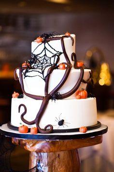 Festa de Halloween - bolo da noiva para um casamento no #Halloween #catering #casarcomgosto