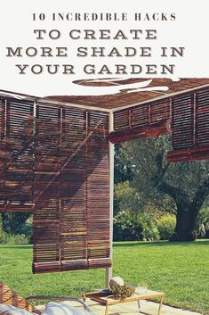 Here are 10 incredible hacks to create more shade in your garden - Page 7 Garden Arbour Seat, Diy Arbour, Privacy Fence Screen, Fence Screening, Store Venitien, Diy Ombre, Deck With Pergola, Yard Landscaping, Landscaping Ideas
