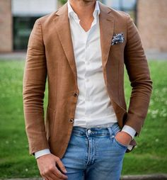 Blazer Marron + Camisa Blanca + Jean